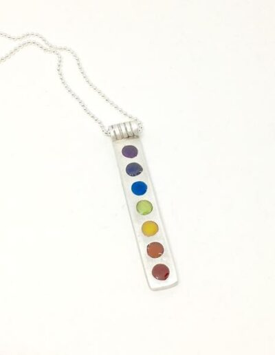 rectangle_dot_necklace